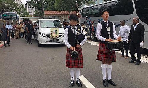 bagpipes-drums-funeral-sendoff