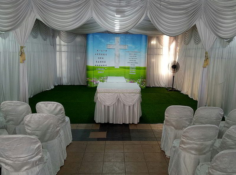 christian-funeral-service-tentage